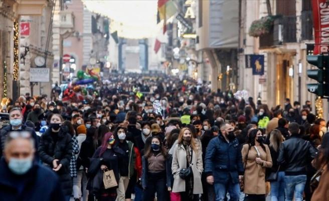 İtalya'da Kovid-19 salgınında son durum: Ölenlerin sayısı 70 bini geçti