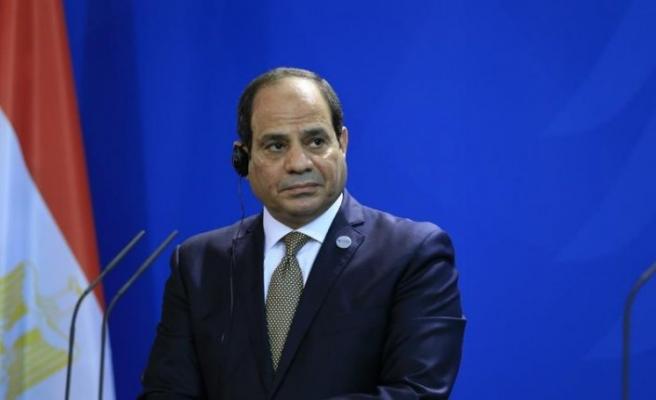 İtalyan gazeteciden Fransa'ya alkışlanacak Sisi tepkisi