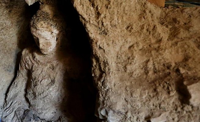 Kabil'deki arkeolojik kazılarda Budist döneme ait çok sayıda eser bulundu