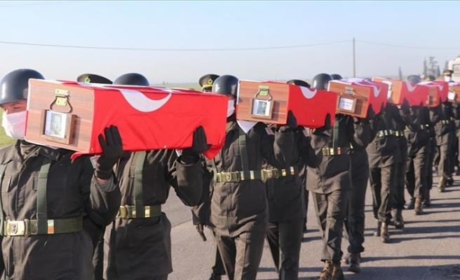 KKTC'de EOKA-B tarafından şehit edilen14 çocuğun cenazesi toprağa verildi