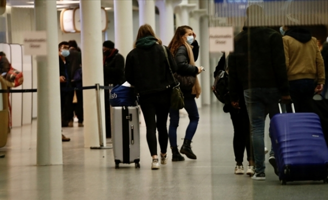 Yasaklar Londra'daki Heathrow Havalimanı'nda yoğunluk oluşturdu