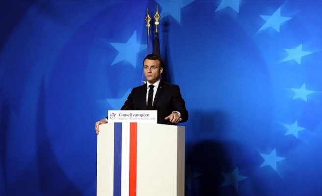 Fransa'da Macron'a destek azalıyor