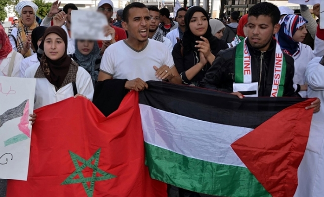 İsrail'le normalleşme kararı Faslıları ikiye böldü