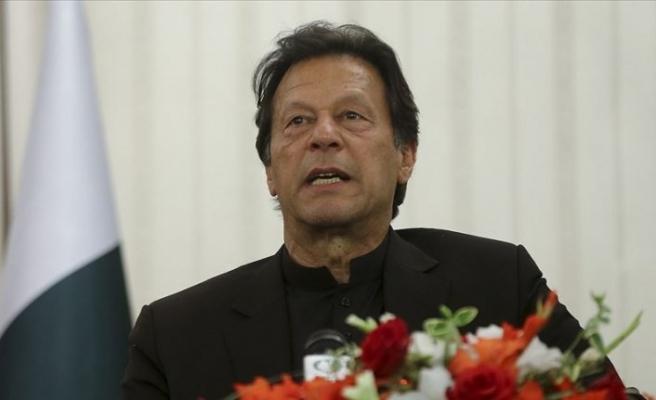 Pakistan'da İmran Han'a istifa çağrısı