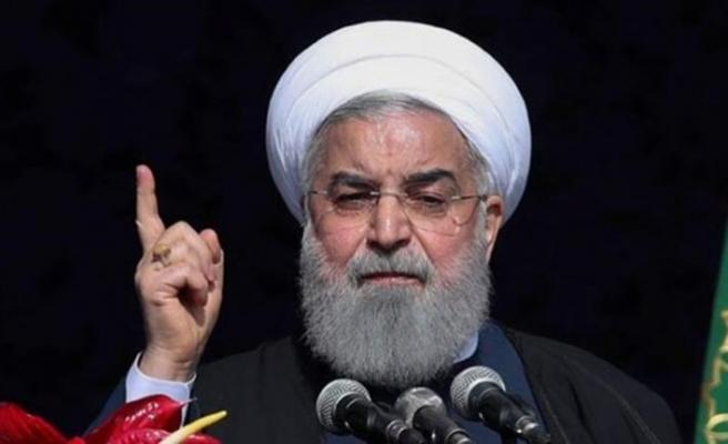 Ruhani: Kısıtlamalar olmasaydı büyük sorunlarla karşı karşıya kalırdık