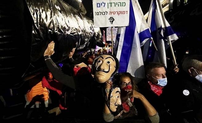 İsrail'de halk 'Suç Başbakanı'nı istifaya davet etti