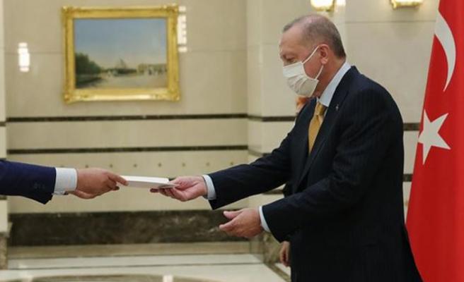 Sudan Ankara Büyükelçisi, Erdoğan'a güven mektubu sundu