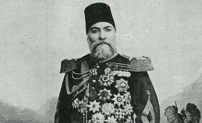 Tarihte bugün (9 Aralık): Gazi Osman Paşa tarihe geçen direnişin ardından şehri teslim etti