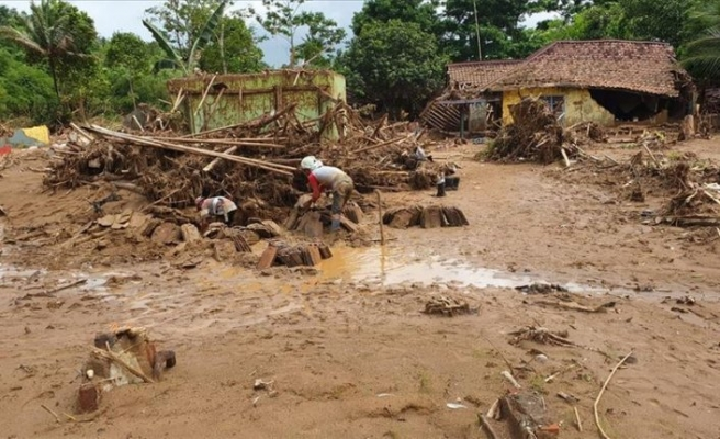 Tayland'daki sellerde ölü sayısı 24'e yükseldi