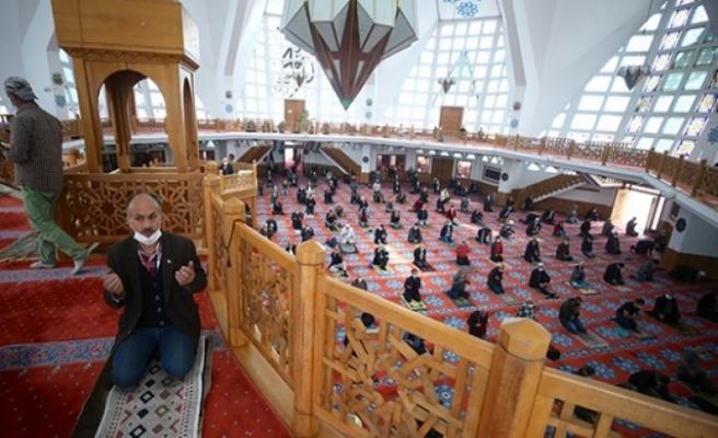 Trakya'daki camilerde cuma namazı sonrası yağmur duası