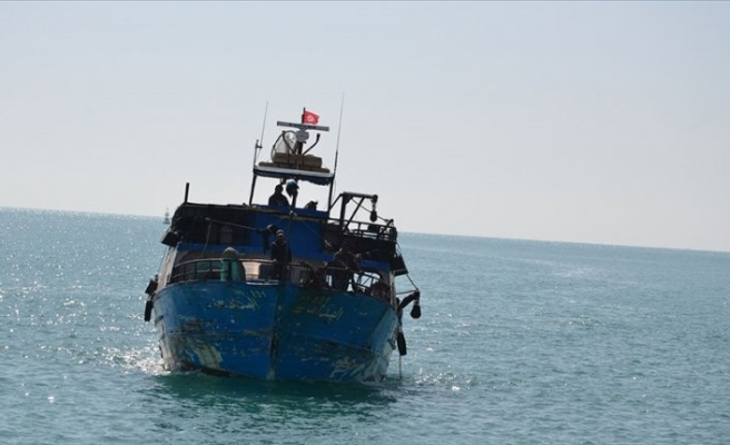 Tunus açıklarında göçmen teknesi battı