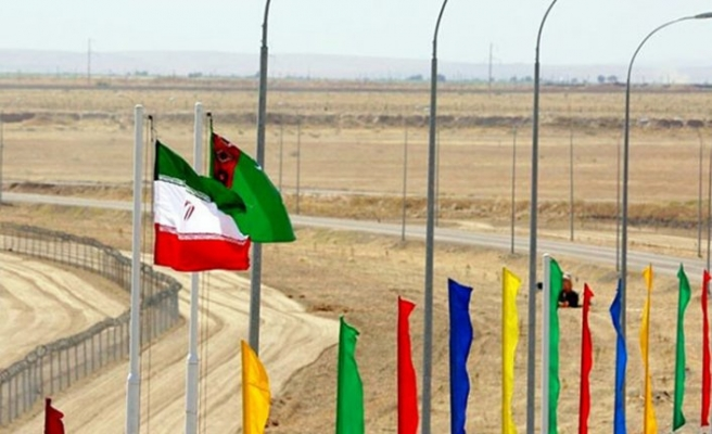 Türkmenistan ve İran karayolu trafiğine yeni bir sınır kapısı açtı