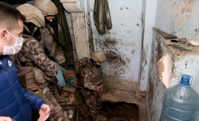 Uyuşturucu operasyonunda 30 metre derinliğinde tünel bulundu
