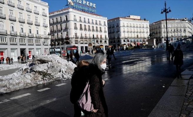 İspanya'da Kovid-19 vaka sayısında artış sürüyor
