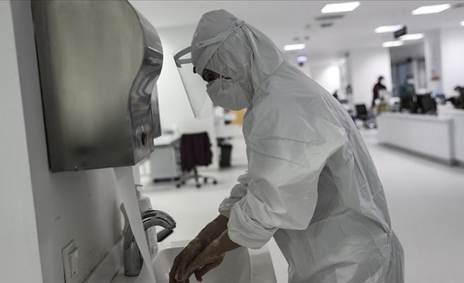 Koronavirüsün hemşireler üzerinde toplu travmaya neden olduğu açıklandı