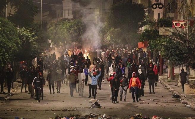 Tunus'taki protestolarda 1000'den fazla gözaltı var