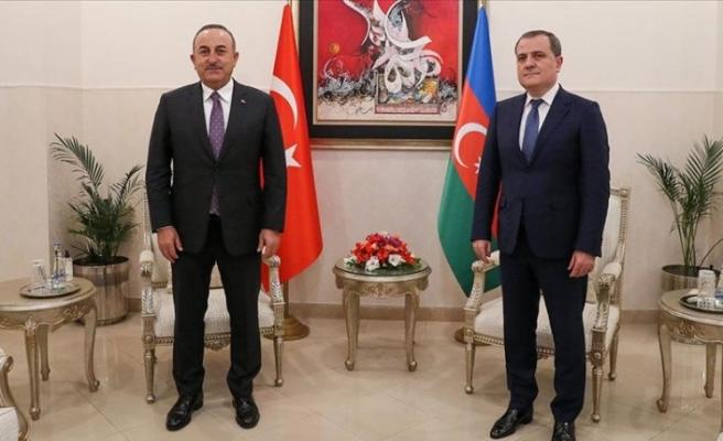 Dışişleri Bakanı Çavuşoğlu, Pakistan'da Bayramov'la görüştü