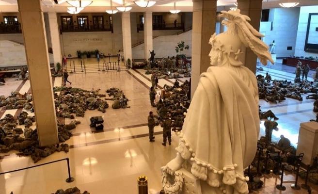 Washington'da büyük korku: ABD ulusal muhafızlar yerlerde yatıyor