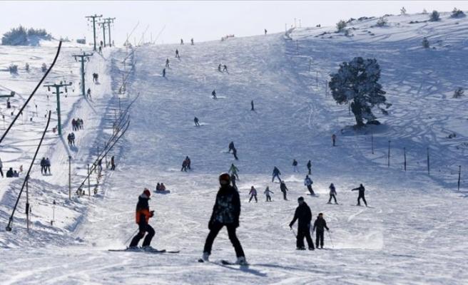Kartalkaya'da kar kalınlığı 190 cm'yi gördü