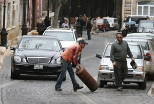 Azerbaycan'da soyadlar değişiyor