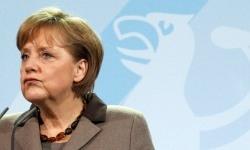 Merkel'den İran'ın petrol satışına darbe