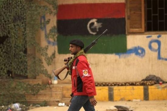 Kaddafi temsilcileri ve muhalifler Tunus'da görüştü