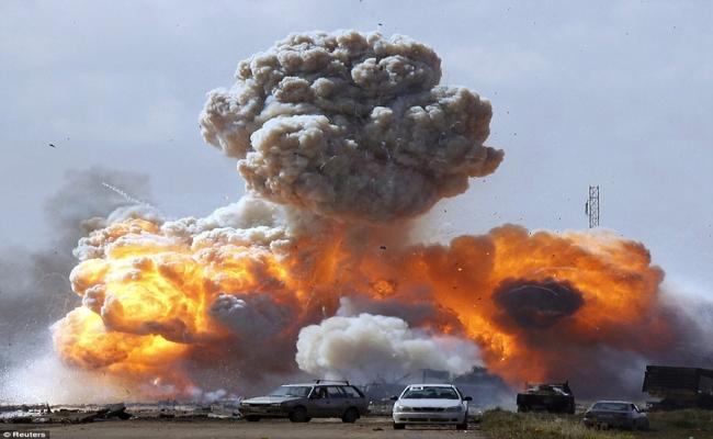 Trablus'ta şiddetli patlamalar