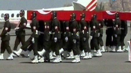 Askerlere veda töreni