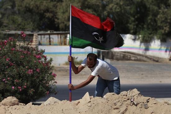Kaddafi yanlıları ve isyancılar Sirte için görüşüyor