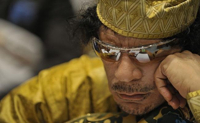 Kaddafi köşe bucak aranıyor