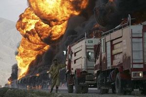NATO tankerleri ateşe verildi