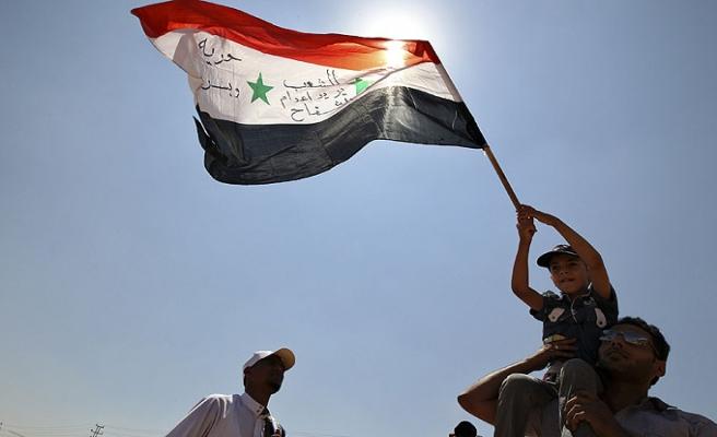 Suriyeli mülteciler Lübnan'da camiye sığındı