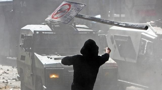 Şili'de genel grevde 1400 gözaltı