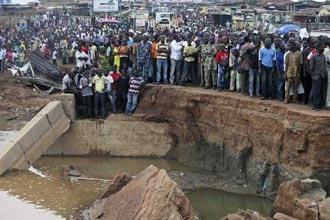 Nijerya'da sel barajları yıktı