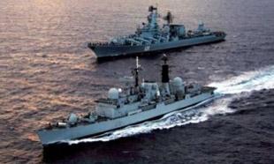 Rus savaş gemileri rota değiştirdi