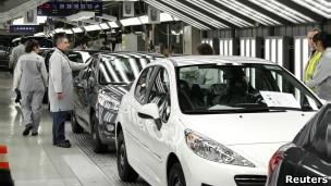 Peugeot 8 bin işçi daha çıkarıyor