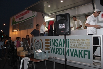 İHH gezici aşevi TIR'ının ilk durağı Bursa