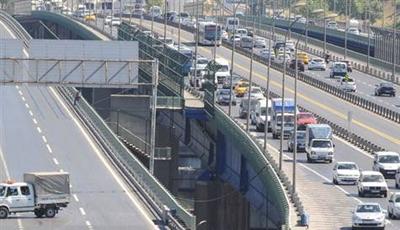Metro çalışmaları, yolu trafiğe kapattı