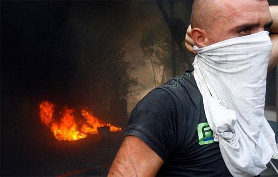 Lübnan'da taşeron işçiler isyanda