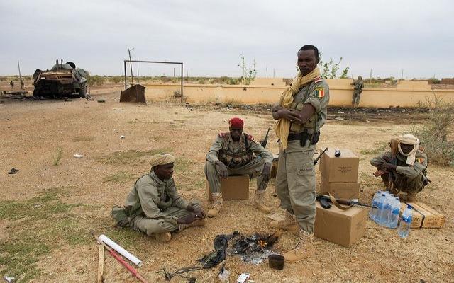 Fransız ve Çad askerleri Mali'de ilerliyor