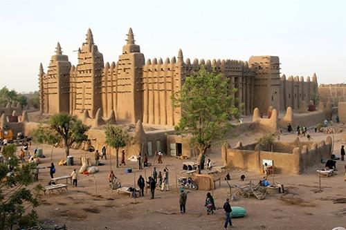 Küresel siyaset kıskacında Mali