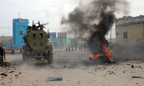 Somali'de restoran patlatıldı: 2 ölü