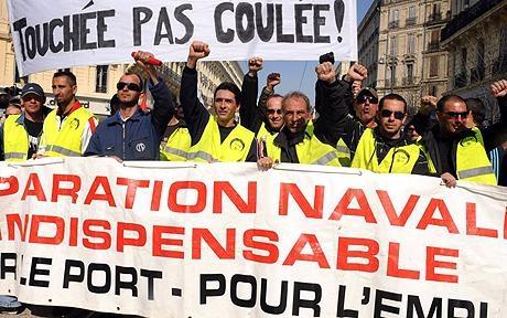 Fransız solcular Sosyalist hükümete karşı