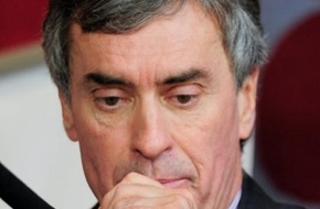 Fransız kabinesinde ilk istifa