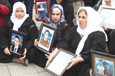 Uludere mağdurları Meclis önünde