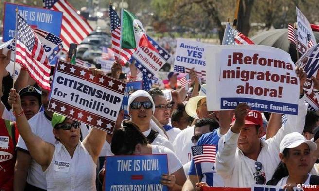Göçmen Amerikalılar vatandaşlık için yürüdü