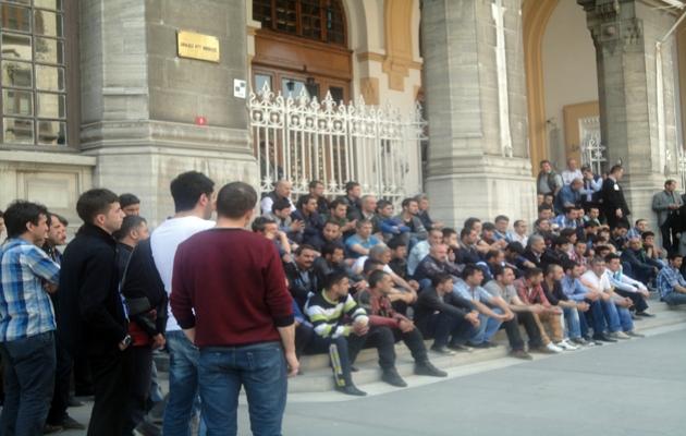 PTT'nin taşeron işçilerinden 'Artık Yeter' eylemi