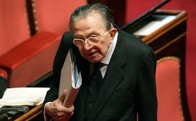İtalya eski başbakanı Andreotti öldü