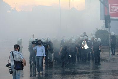 Eylemciler Başbakan'ın evini basacaktı