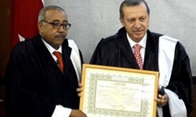 Cezayir'de Erdoğan'a fahri doktora unvanı